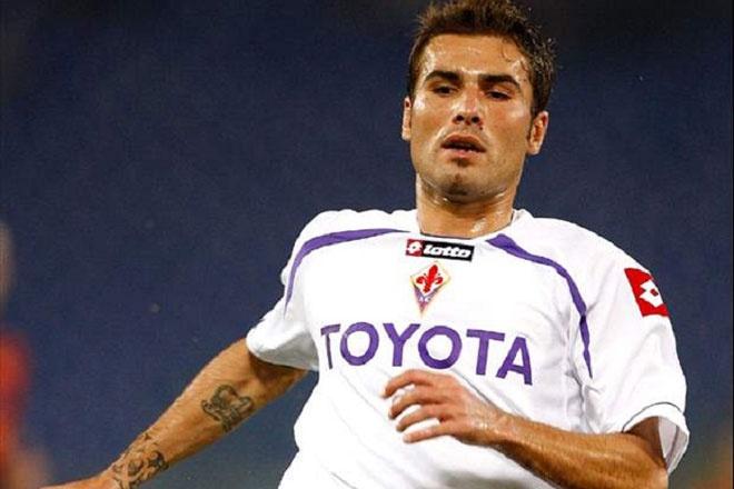 10 an treo gio nang nhat danh cho cac sieu sao bong da hinh anh 4 Mutu sẽ là một tiền đạo xuất sắc nếu như cuộc đời anh không gắn liền với ma túy và rượu, với những cuộc liên hoan thâu đêm suốt sáng cùng chất kích thích. Thời điểm năm 2010, anh thi đấu khá hay trong màu áo Fiorentina với 50 bàn thắng sau 91 trận ra sân, nhưng đã bị LĐBĐ Italia cấm thi đấu 6 tháng sau khi bị phát hiện dương tính với ma túy. Đó chỉ là một trong số ít những lần Mutu nhận án cấm thi đấu trong sự nghiệp của mình.