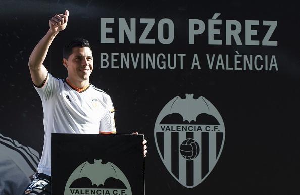 20 ban hop dong dang chu y hoan tat trong thang 1/2015 hinh anh 1 1. Tiền vệ Enzo Perez đã dứt tình với Benfica để chuyển sang khoác áo Valencia theo bản hợp đồng trị giá 25 triệu euro.