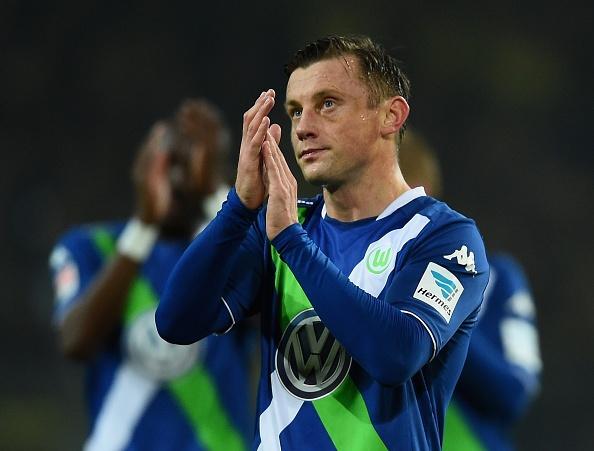 20 ban hop dong dang chu y hoan tat trong thang 1/2015 hinh anh 17 17. Tiền đạo Ivica Olic chia tay Wolfsburg để chuyển sang thi đấu cho Hamburg với mức phí không được tiết lộ.