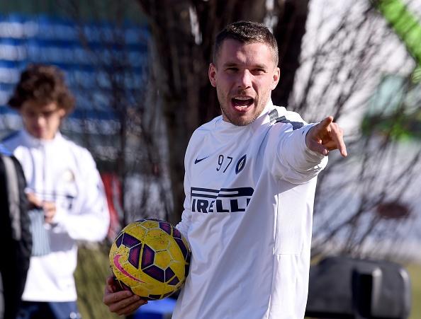 20 ban hop dong dang chu y hoan tat trong thang 1/2015 hinh anh 4 4. Tiền đạo người Đức, Lukas Podolski gây sức ép lên Arsenal để được gia nhập Inter Milan theo diện cho mượn đến hết mùa.