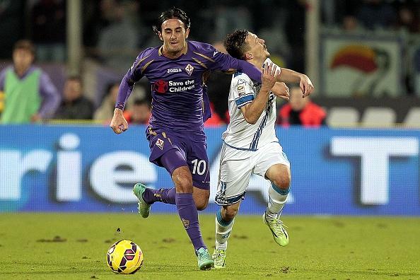 Màn trình diễn thất vọng tại Anfield khiến Aquilani bị Liverpool đẩy trở lại Serie A vào hè 2012. Tuy nhiên, ngôi sao 30 tuổi hồi sinh mạnh mẽ trong màu áo Fiorentina. Trong bối cảnh Aquilani chưa chịu ký vào bản giao kèo mới với Fio, QPR tuyên bố trải thảm đỏ mời anh về thi đấu vào hè tới.