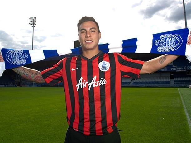 Vargas hiện là thành viên của QPR theo diện cho mượn từ Napoli. Tuyển thủ người Chile sẽ trở thành người tự do vào cuối mùa giải này sau khi kết thúc hợp đồng với cả QPR lẫn Napoli. Trong bối cảnh đó, đội chủ sân Loftus Road ra sức níu kéo chân sút 25 tuổi ở lại trước sự nhòm ngó của Arsenal.