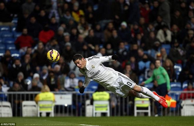 Ha Sevilla 2-1, Real gia tang cach biet voi Barca len 4 diem hinh anh 3