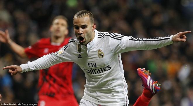Ha Sevilla 2-1, Real gia tang cach biet voi Barca len 4 diem hinh anh 11