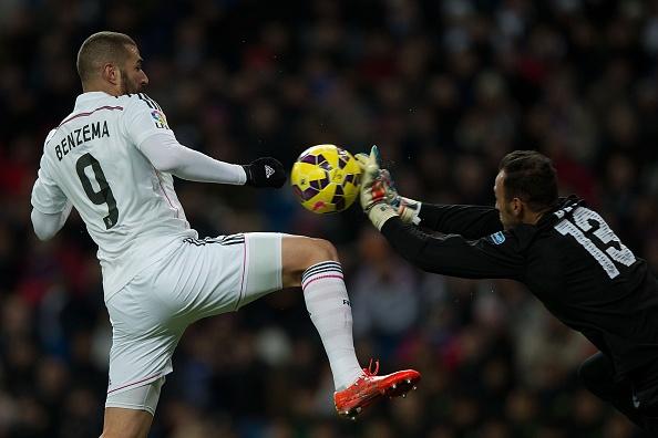 Ha Sevilla 2-1, Real gia tang cach biet voi Barca len 4 diem hinh anh 12