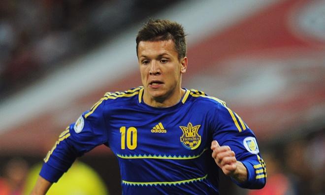 Dnipro từng từ chối lời đề nghị của Liverpool dành cho Konoplyanka vào hè 2014. Tuy nhiên, đại diện của Ukraina hẳn rất hối tiếc vì họ có thể mất trắng ngôi sao 25 tuổi vào hè tới vì hết hạn hợp đồng. Theo đó, cơ hội tiếp tục mở ra cho Liverpool và cả Tottenham.