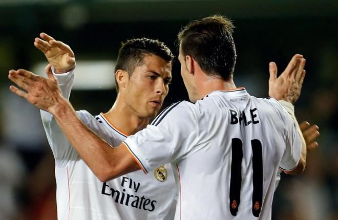 """Gareth Bale được ví như """"Ronaldo mới"""" khi sở hữu những nét tương đồng như tốc độ, kỹ thuật, khả năng săn bàn và những cú sút phạt uy lực. Bale từng chia sẻ, lối chơi của anh bị ảnh hưởng khá nhiều từ siêu sao người Bồ Đào Nha."""