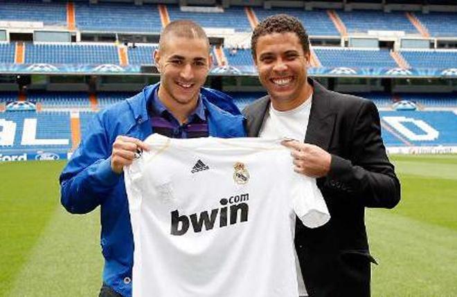 Benzema là tiền đạo tài năng của bóng đá Pháp. Khả năng săn bàn của chân sút 26 tuổi đã được chứng minh tại Lyon và Real Madrid. Giống những người bình thường khác, Benzema cũng có thần tượng của mình. Theo tuyển thủ Pháp,