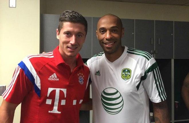 Trước khi gia nhập Bayern, Lewandowski đã khẳng định tên tuổi trong màu áo Dortmund. Chân sút người Ba Lan hội tụ đầy đủ tố chất của một