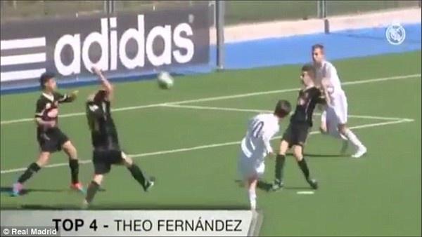 Quy tu nha Zidane lap sieu pham trong tran thang 10-2 hinh anh