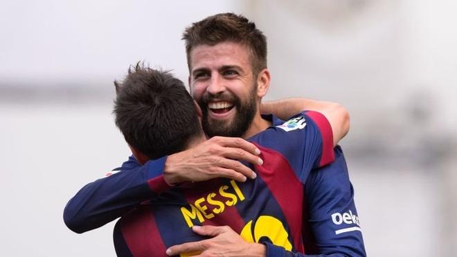"""Doi hinh trong mo ket hop giua La Liga va Ngoai hang Anh hinh anh 3 Pique giành mọi danh hiệu trong màu áo CLB Barcelona lẫn đội tuyển Tây Ban Nha. Sau sự khởi đầu không tốt, trung vệ 28 tuổi đang trở lại đầy ấn tượng. Anh xứng đáng được xem là """"con quái vật"""" trong mắt các tiền đạo đối phương."""