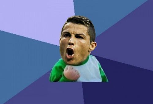 Anh che Ronaldo vui mung vi ghi ban tu cham da phat hinh anh