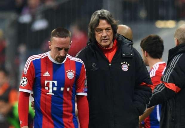Bac si Bayern tu chuc vi de nan chan thuong hoanh hanh hinh anh