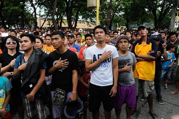 Nguoi dan Philippines do ra duong co vu Pacquiao hinh anh 1