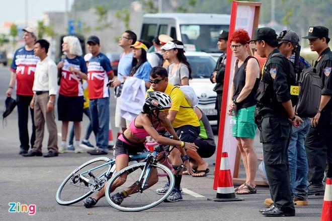 VNG Ironman 70.3: Nhieu VDV Viet Nam ve dich hinh anh 19