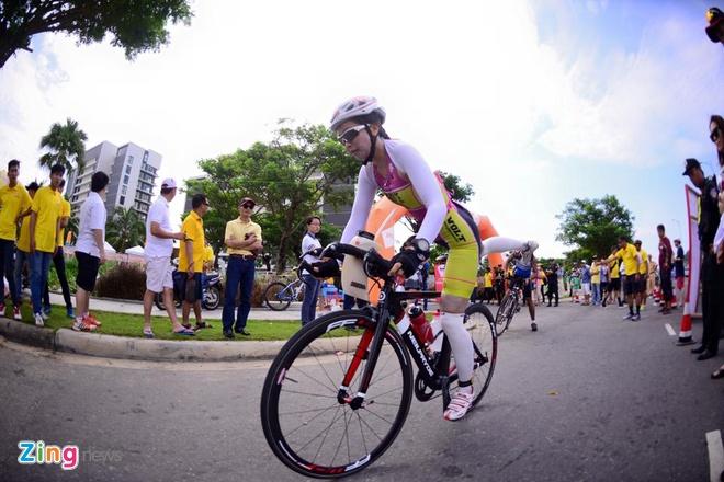 VNG Ironman 70.3: Nhieu VDV Viet Nam ve dich hinh anh 21