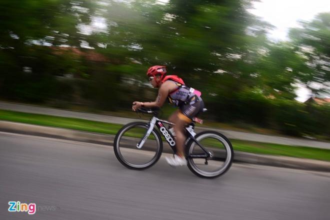 VNG Ironman 70.3: Nhieu VDV Viet Nam ve dich hinh anh 20