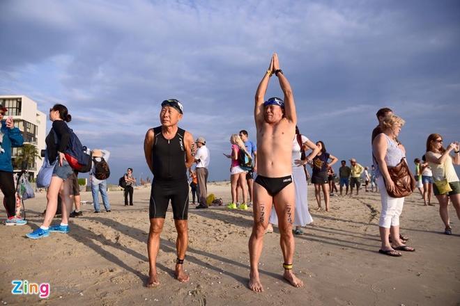 VNG Ironman 70.3: Nhieu VDV Viet Nam ve dich hinh anh 6