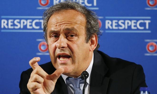 Michel Platini: 'UEFA co the bo luat can bang tai chinh' hinh anh