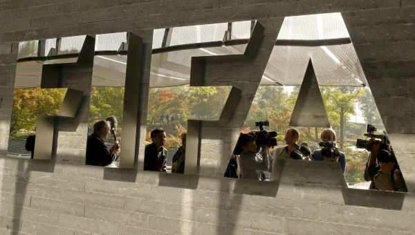 My quyet dua tap doan toi pham toan cau o FIFA ra anh sang hinh anh