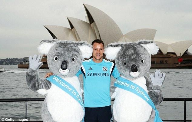 Cac ngoi sao Chelsea bi vay kin khi den Australia hinh anh 6
