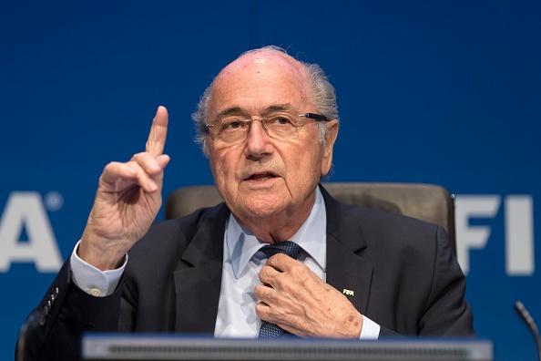Blatter khong con lua chon nao khac ngoai tu chuc hinh anh