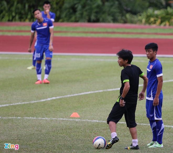 HLV Miura lo bai doi pho loi choi phong thu cua Dong Timor hinh anh 2