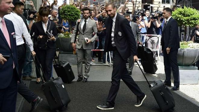 Dan sao Barcelona va Juventus sanh dieu do bo xuong Berlin hinh anh 11