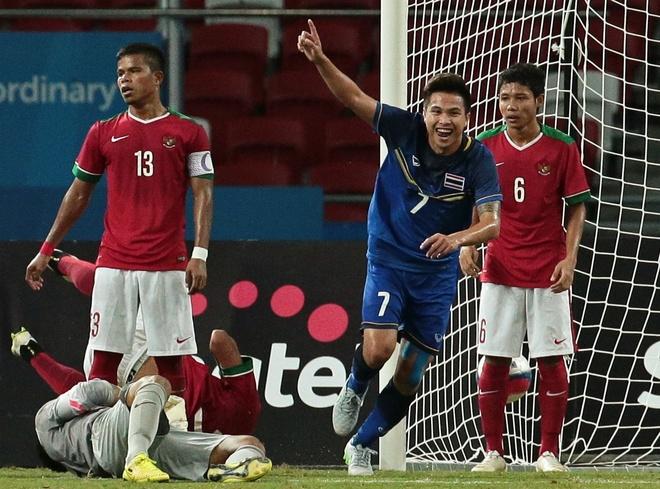 Ha Indonesia 5-0, U23 Thai Lan gap Myanmar o chung ket hinh anh