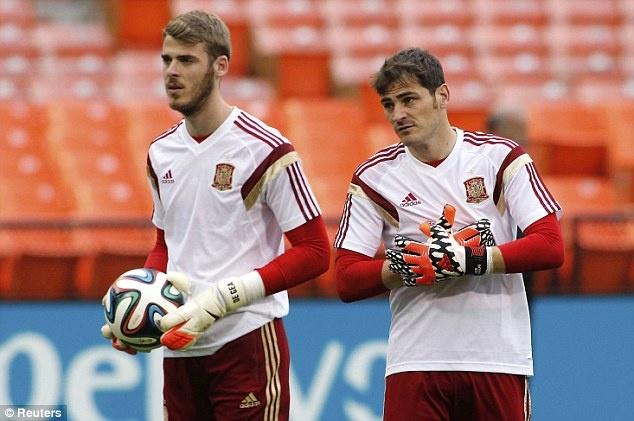 Diem tin 15/6: Sao Barca danh gia Casillas cao hon De Gea hinh anh