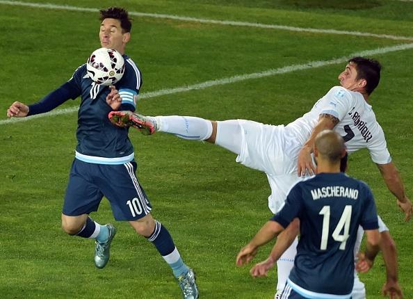 Argentina 1-0 Uruguay: Sergio Aguero toa sang hinh anh 23