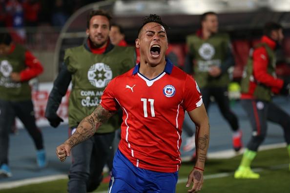 Ha Peru 2-1, Chile lan dau vao chung ket sau 28 nam hinh anh