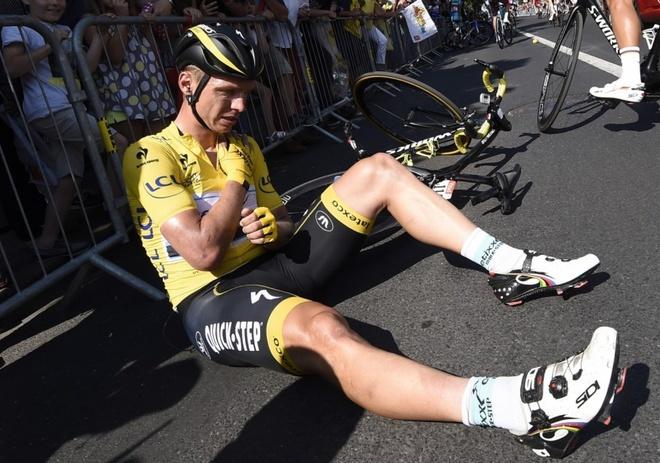 Cua-ro co ve dich tai Tour de France du gay xuong hinh anh