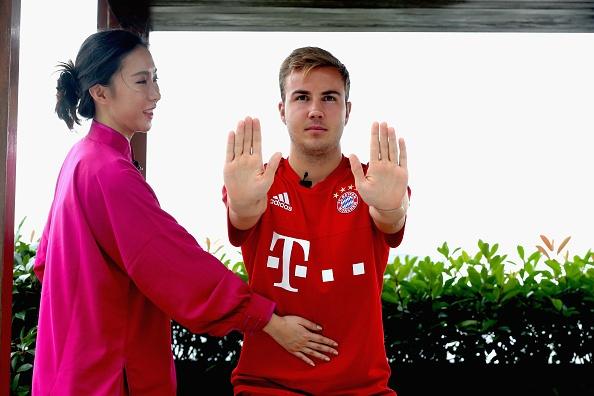 Mario Goetze tap vo khi du dau cung Bayern hinh anh