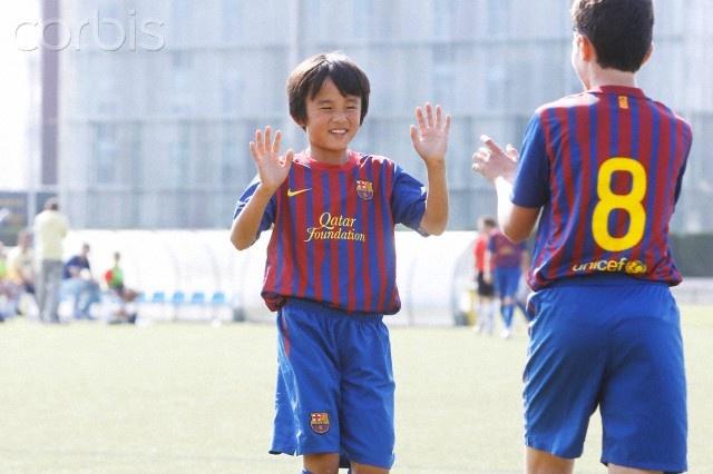 Nhung pha bong thuyet phuc cua 'Messi Nhat Ban' hinh anh