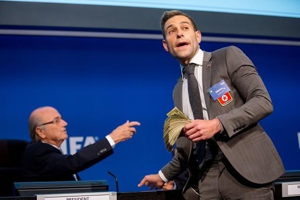 Tong thong Putin: 'Blatter xung dang doat giai Nobel' hinh anh 2