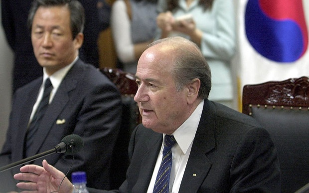 Ung vien Chu tich FIFA vi Blatter la loai thu an thit nguoi hinh anh