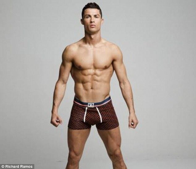 Ronaldo khoe dang manh me trong bo suu tap moi hinh anh 4