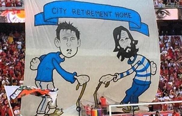 Fan doi thu che gieu Pirlo, Lampard hinh anh