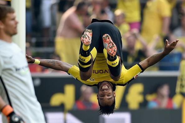 Ha Hertha Berlin 3-1, Dortmund doi lai ngoi dau tu Bayern hinh anh 16