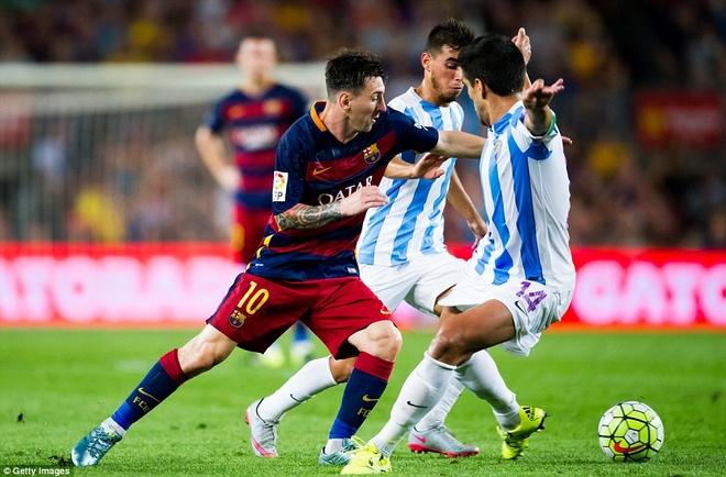 Vermaelen hoa nguoi hung trong mat Messi, Neymar va Suarez hinh anh 4