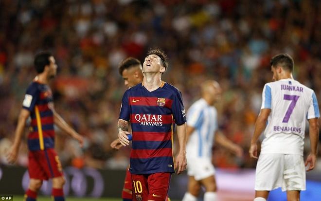 Vermaelen hoa nguoi hung trong mat Messi, Neymar va Suarez hinh anh 10