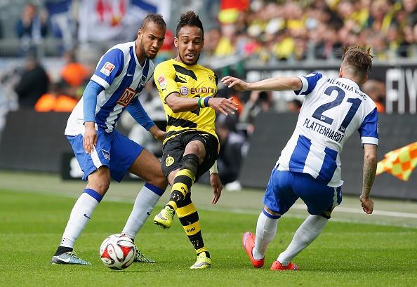 Ha Hertha Berlin 3-1, Dortmund doi lai ngoi dau tu Bayern hinh anh 7