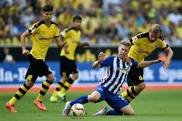 Ha Hertha Berlin 3-1, Dortmund doi lai ngoi dau tu Bayern hinh anh 18