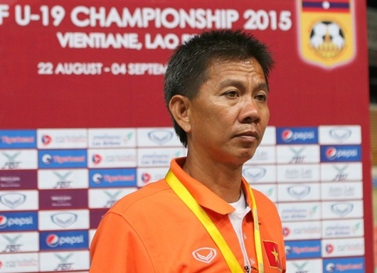 HLV U19 VN muon ngu mot giac truoc khi nghi toi Thai Lan hinh anh