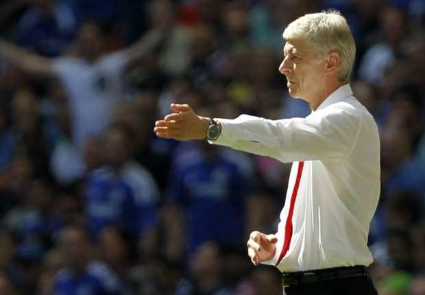 HLV Wenger: 'Chang co cau thu nao dang mua' hinh anh 1