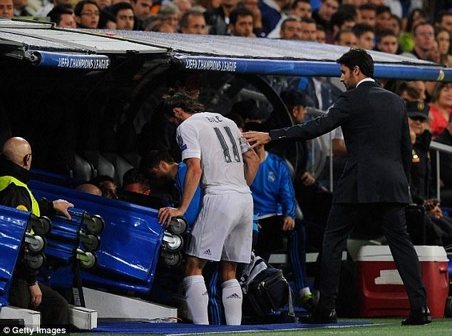 Ronaldo lap hat-trick, bo xa thanh tich cua Messi tai Cup C1 hinh anh 8