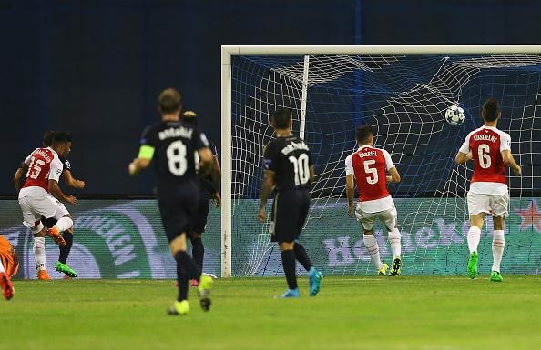 Arsenal bai tran tai Champions League vi the do va phan luoi hinh anh 3