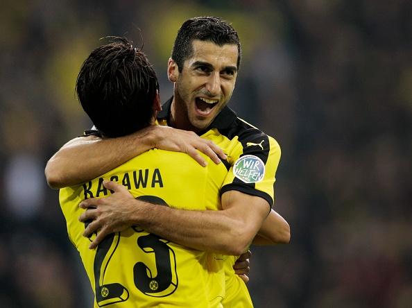 Dortmund vung ngoi dau sau tran thang Bayer Leverkusen 3-0 hinh anh