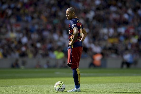 Suarez lap cu dup giup Barca ha Las Palmas 2-1 hinh anh 16